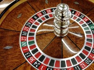 Roulette eller rulett er at av de aller mest populære casinospillene. Denne finner du i flere varianter blant annet hos Betsson